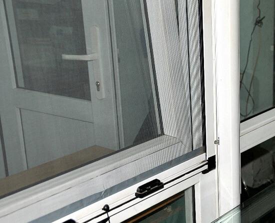 Bảo vệ gia đình bằng lưới chống muỗi an toàn