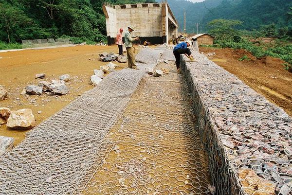 Lưới rọ đá bảo vệ cầu đường