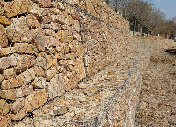 Lưới rọ đá kiểm soát xói mòn