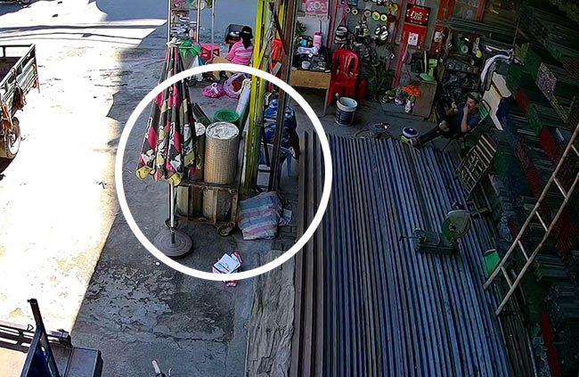 Lưới inox bán tại cửa hàng sắt